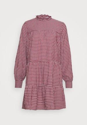ONLCAROLE LIFE DRESS - Košilové šaty - pomegranate
