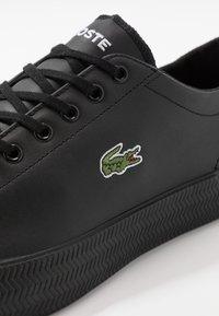 Lacoste - GRIPSHOT - Sneakersy niskie - black - 5