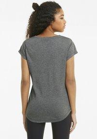 Puma - T-shirt de sport - charcoal heather-puma cat - 2