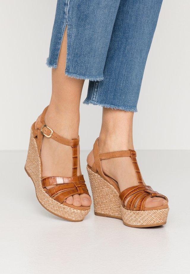 MOLINO - Korolliset sandaalit - bisquit