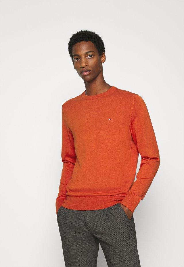 BLEND CREW NECK - Svetr - orange