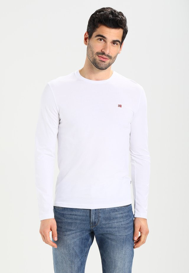 SENOS LS - Camiseta de manga larga - bright white