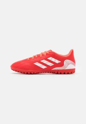 COPA SENSE.4 - Scarpe da calcetto con tacchetti - red/footwear white/solar red