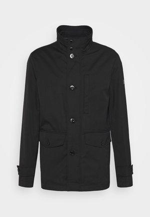 AVERSA - Klasický kabát - black