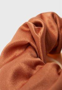 Stradivarius - 3 PACK - Příslušenství kvlasovému stylingu - beige - 4