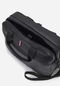 Tommy Hilfiger - HOUR BAG UNISEX - Across body bag - black - 2