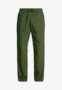 NOAH WORKER TROUSERS - Pantaloni - khaki green