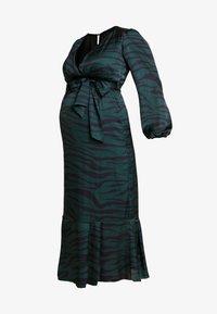 True Violet Maternity - WRAP LONG SLEEVES - Maksimekko - green - 5