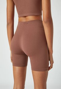 PULL&BEAR - Shorts - dark brown - 2
