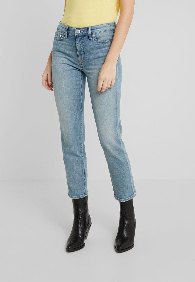 Straight leg jeans - light indigo wash