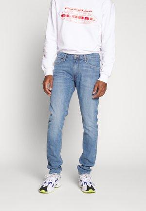 LUKE - Jeans slim fit - lt worn foam