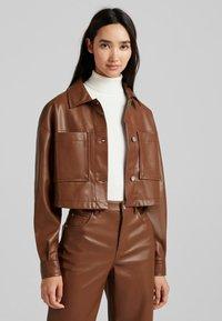 Bershka - CROPPED AUS - Faux leather jacket - brown - 0