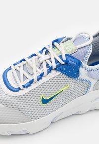 Nike Sportswear - REACT LIVE  - Trainers - grey fog/game royal/platinum tint/iron grey - 5