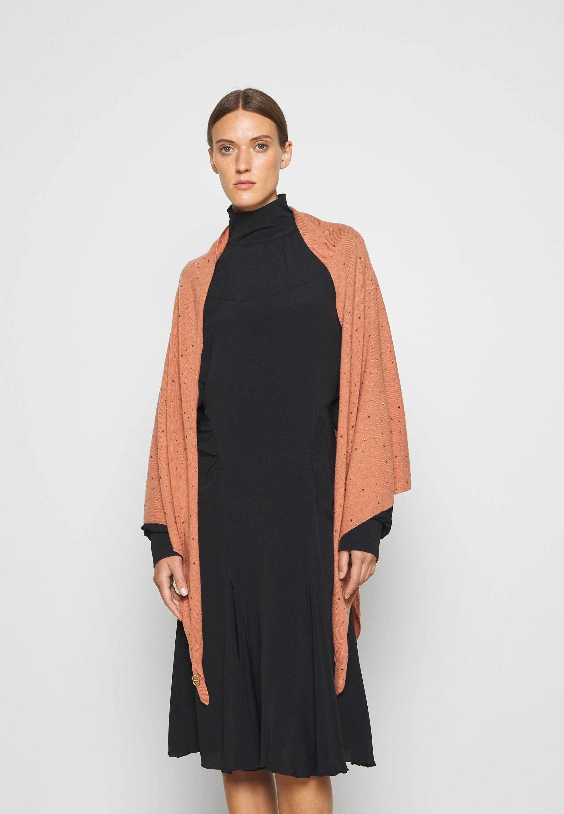 Women ALL OVER STUDS STOLE - Cape