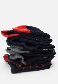 Jack & Jones - JACFLYING SOCKS 5 PACK - Ponožky - navy blazer/black - 1