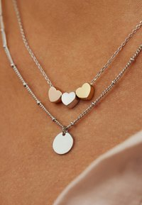 Selected Jewels - Necklace - mehrfarbig - 1