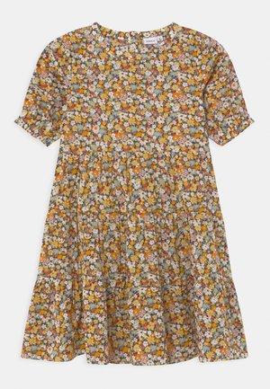 NKFHISSINE - Vestido camisero - persimmon