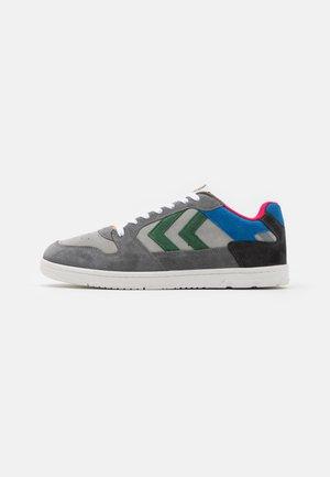 POWER PLAY UNISEX - Sneakers laag - grey/blue/green