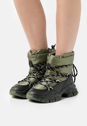 XP5_SUB - Winter boots - military green