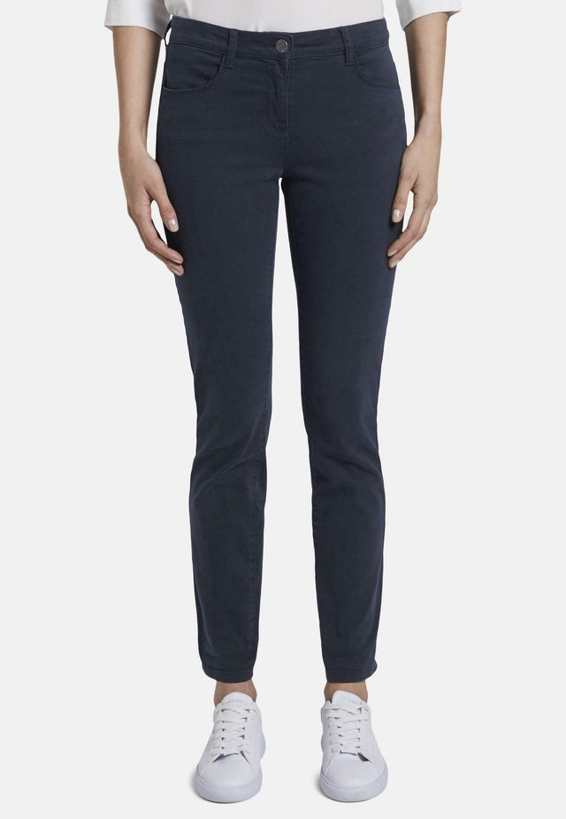 HOSEN & CHINO ALEXA SLIM JEANS IN FARBWASCHUNG - Jeansy Slim Fit - real navy blue