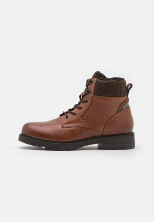 WARM CORPORATE MIX LACE BOOT - Lace-up ankle boots - winter cognac