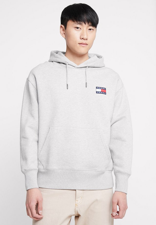 BADGE HOODIE - Sweat à capuche - grey