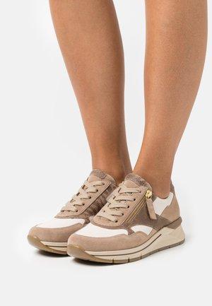 Sneaker low - ivory/desert/gold