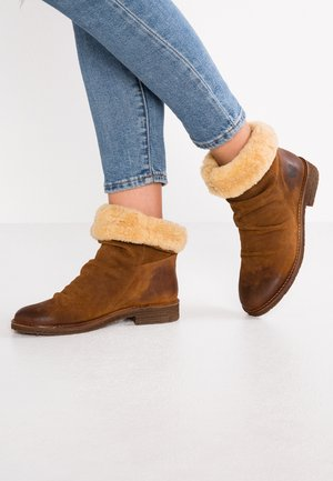 CREPONA - Classic ankle boots - cognac