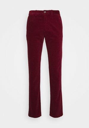 DENTON CORDUROY PANT - Spodnie materiałowe - dark red
