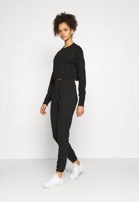 Missguided Tall - CROP JOGGER COORD set - Sweatshirt - black - 1