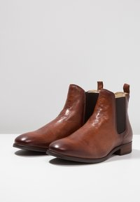 Shoe The Bear - ARNIE  - Classic ankle boots - brown - 2