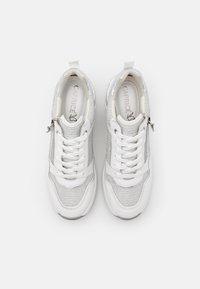 Caprice - LACE UP - Joggesko - white - 5