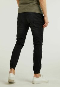 CHASIN' - Jeans Tapered Fit - black - 1