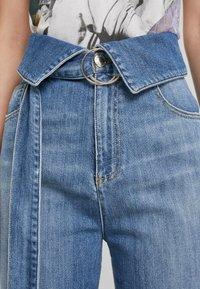 Pinko - TARAH SUPER HIGH RISE  - Straight leg jeans - blu indaco - 5