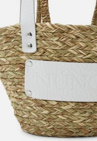 Núnoo - BEACH BAG SMALL - Handbag - nature white details - 3