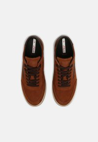 s.Oliver - Trainers - cognac - 3