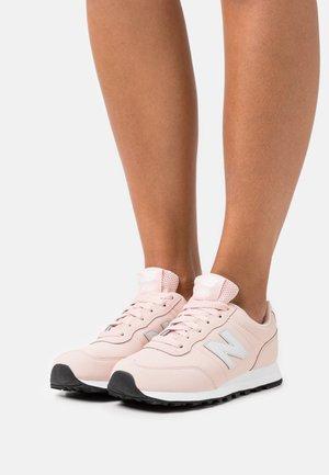 GW400 - Sneakers laag - rose