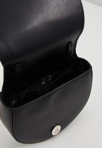 KARL LAGERFELD - IKONIK BUMBAG - Bæltetasker - black - 4
