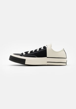 CHUCK TAYLOR ALL STAR 70 UNISEX - Sneakersy niskie - black/egret