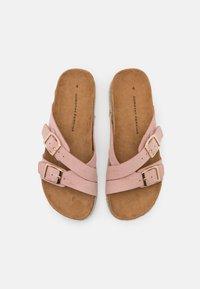 Dorothy Perkins - FOXY DOUBLE BUCKLE FOOTBED - Domácí obuv - pink - 5