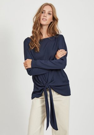 Top - navy blazer