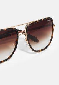 QUAY AUSTRALIA - ALL IN NAVIGATOR - Sunglasses - brown - 4