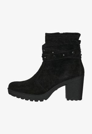 STIEFELETTE - Korte laarzen - schwarz