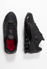 Nike Sportswear - SHOX ENIGMA 9000 - Sneakersy niskie - black/gym red - 3