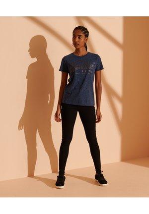 CULT STUDIOS VINTAGE LOGO TONAL GLITTER - Print T-shirt - blue