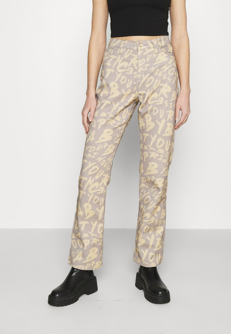 Jaded London - BOYFRIEND FIT GRAFFITI PRINT JEAN - Relaxed fit jeans - multi