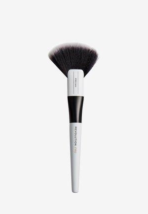 LARGE FAN BRUSH - Make-upkwastje - 320