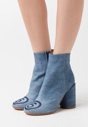 NUOVO TRONCHETTO - Kotníková obuv na vysokém podpatku - denim