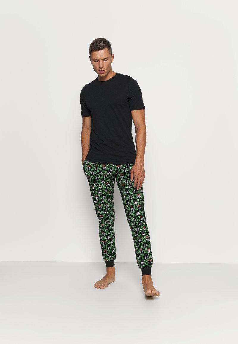 Jack & Jones - JACBASIC TEE CREW NECK 4 PACK - Pyjamashirt - black