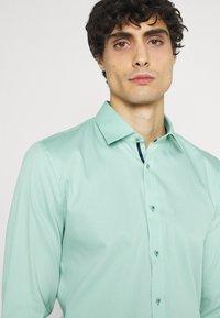 OLYMP No. Six - Formal shirt - grün - 3